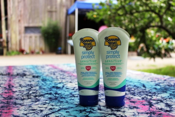 Photo Credit: buy Banana Boat Simply Protect Sensitive SPF 50, by instagram user @tiffany.ironfan